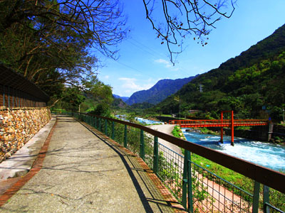 Stroll along Shuili Riverside and Listen to the Sound of Nature