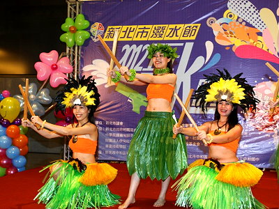 2012 Songkran Festival Kicks off on April 15 in Zhonghe
